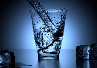 <p>Fresh Aqua lúgos víz</p><br>Az ionizált lúgos víz rendszeres fogyasztásával képesek lehetünk a szervezetünkben zajló elsavasodást megállítani.